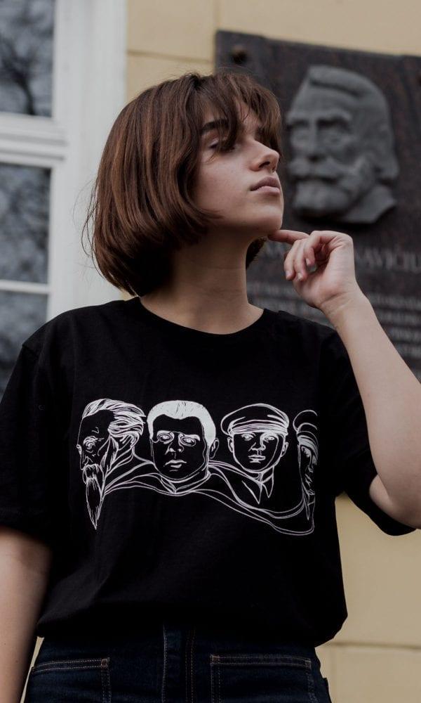 juodi marškinėliai, madingi marškinėliai, marškinėliai litai, stilingi marškinėliai