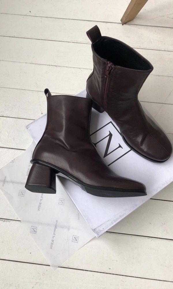 moterims batai ispardavimas